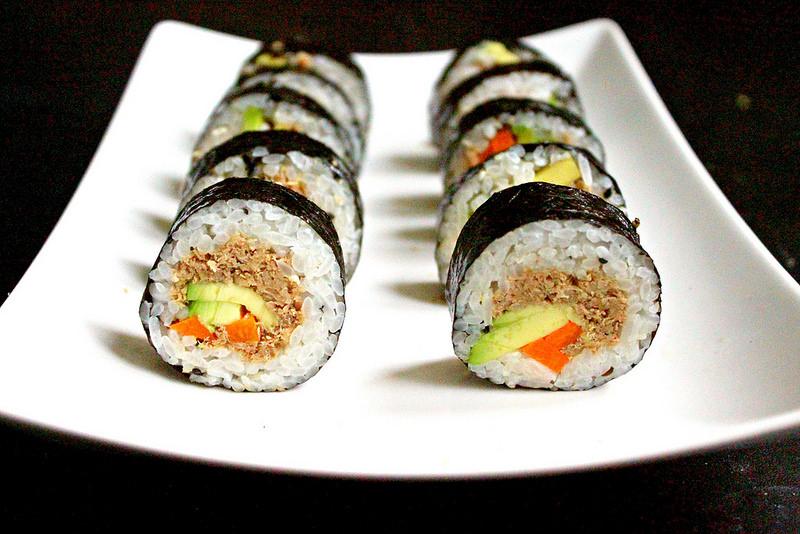 27173864591 de2d5c7413 c - آموزش پخت غذای کره ای کیمباپ (سوشی کره ای)