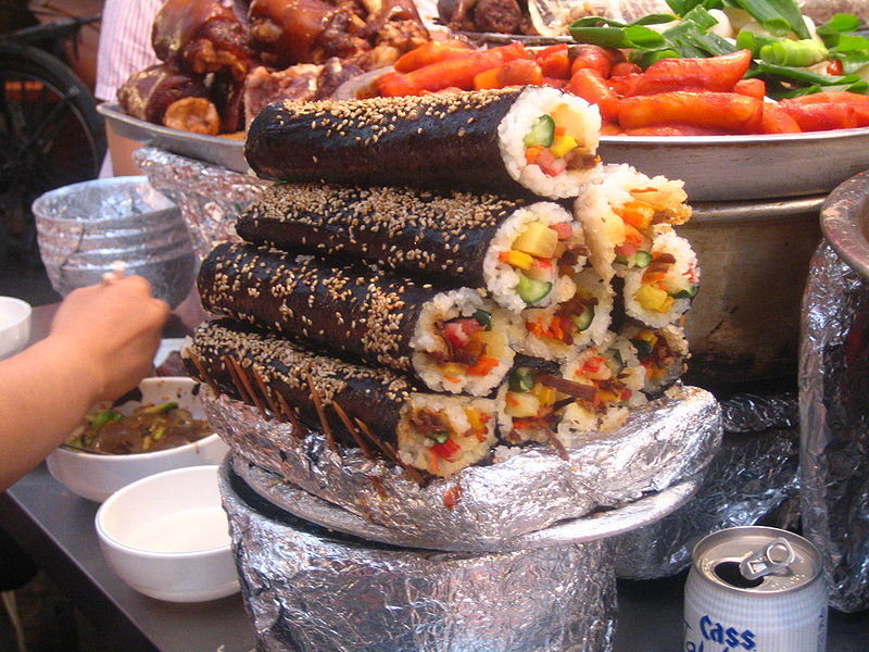 800px Korean.Snacks 01 - آموزش پخت غذای کره ای کیمباپ (سوشی کره ای)