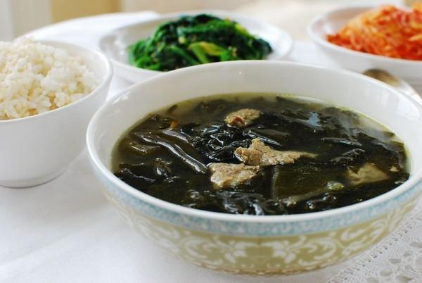 سوپ جلبک کره ای